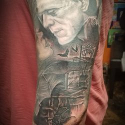 Little more background/saturation here, sleeve is nearing completion
